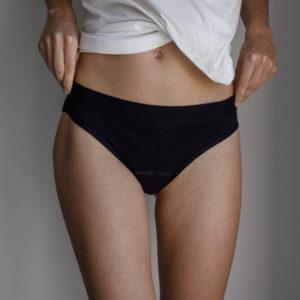 Marguette propose des culottes menstruelles fabriquée en France. Elles sont en coton bio.